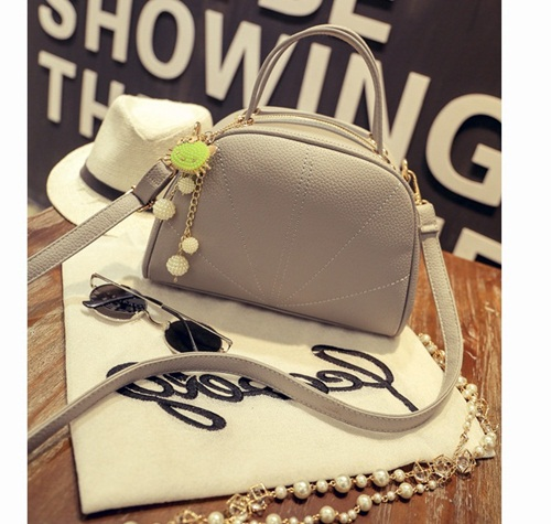 B8819 IDR.177.000 MATERIAL PU SIZE L24-18XH18XW12CM WEIGHT 800GR COLOR GRAY