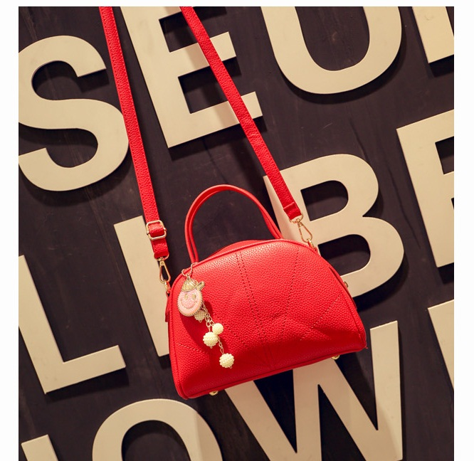 B8819 IDR.177.000 MATERIAL PU SIZE L24-18XH18XW12CM WEIGHT 800GR COLOR RED