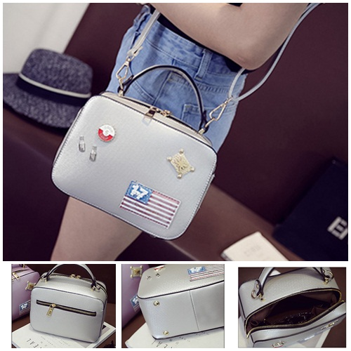 B8826 IDR.186.000 MATERIAL PU SIZE L26XH15XW11CM WEIGHT 700GR COLOR SILVER