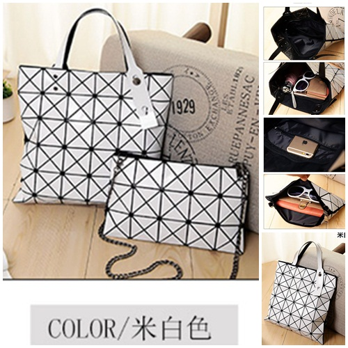 B8837-(2in1) IDR.180.000 MATERIAL PU SIZE L33XH33XW14CM WEIGHT 800GR COLOR WHITE