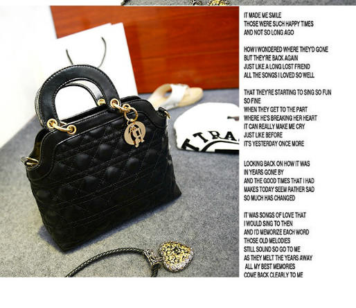 B886 IDR.185.000 MATERIAL PU SIZE L28XH20XW10CM WEIGHT 700GR COLOR BLACK