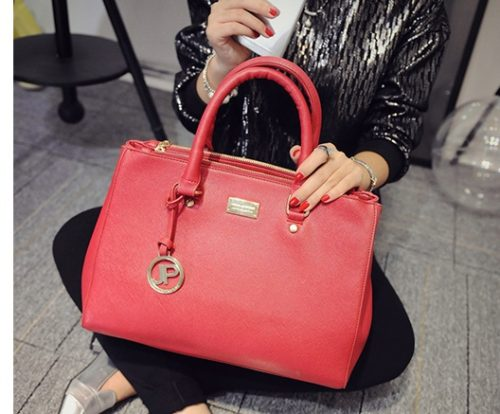 B8886 IDR.195.000 MATERIAL PU SIZE L35 33XH23XW15CM WEIGHT 850GR COLOR RED