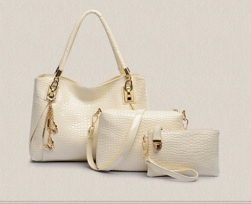 B88991 (3in1) - Harga sebelum Diskon IDR.210.000 MATERIAL PU SIZE L33XH22XW12CM WEIGHT 900GR COLOR BEIGE