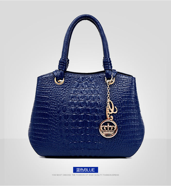 B8919 IDR.216.000 MATERIAL PU SIZE L33XH24XW16CM WEIGHT 850GR COLOR BLUE