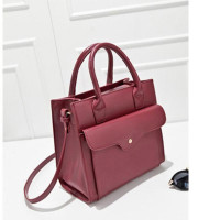 B9028 IDR.205.000 MATERIAL PU SIZE L25XH24XW9CM WEIGHT 750GR COLOR RED