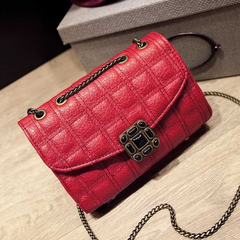 B9050 IDR.170.000 MATERIAL PU SIZE L21XH13XW8CM WEIGHT 500GR COLOR RED.jpg