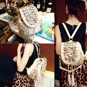 B9067 IDR.158.000 MATERIAL PU SIZE L29XH21CM WEIGHT 700GR COLOR BEIGE
