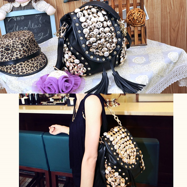 B9067 IDR.160.000 MATERIAL PU SIZE L29XH21CM WEIGHT 700GR COLOR BLACK