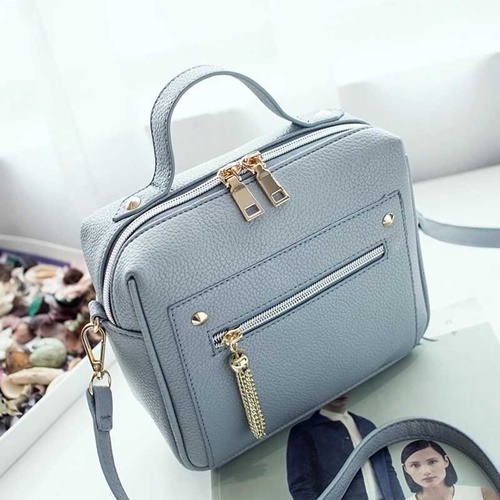 B9080 MATERIAL PU SIZE L20XH18XW9CM WEIGHT 550GR COLOR BLUE