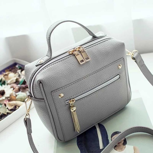 B9080 MATERIAL PU SIZE L20XH18XW9CM WEIGHT 550GR COLOR GRAY