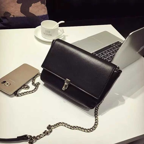 B9081 IDR.145.000 MATERIAL PU SIZE L22XH14XW6CM WEIGHT 500GR COLOR BLACK