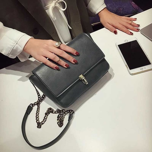 B9081 IDR.145.000 MATERIAL PU SIZE L22XH14XW6CM WEIGHT 500GR COLOR GRAY