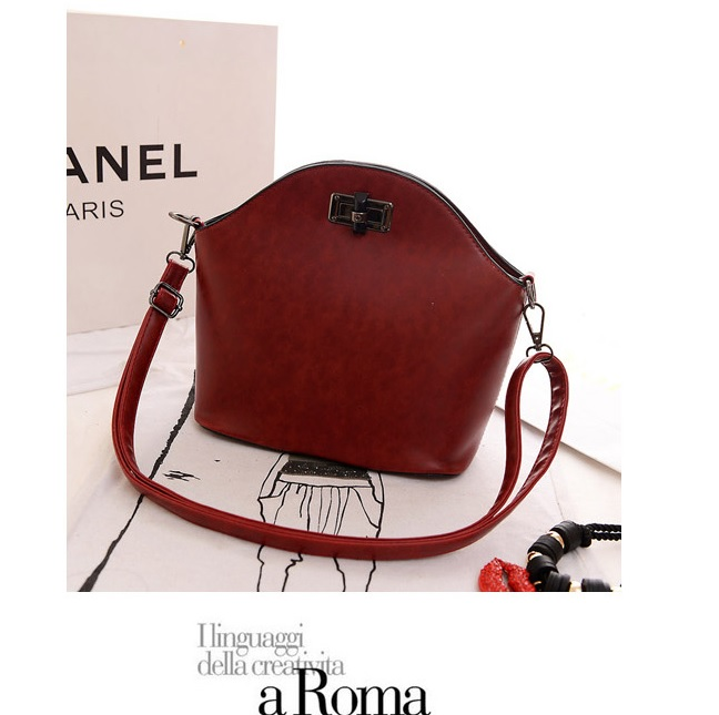 B918 IDR.160.000 MATERIAL PU SIZE L28XH24XW11CM WEIGHT 600GR COLOR RED.jpg