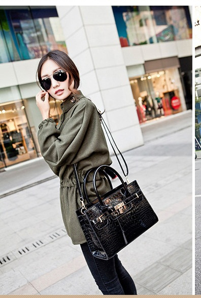 B9318 IDR.206.000 MATERIAL PU SIZE L30XH21XW12CM WEIGHT 900GR COLOR BLACK
