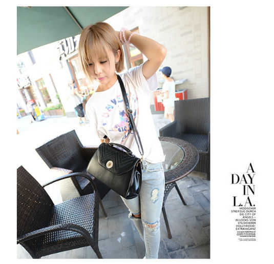 B932 IDR.184.000 MATERIAL PU SIZE L29XH19XW11CM WEIGHT 650GR COLOR BLACK.jpg