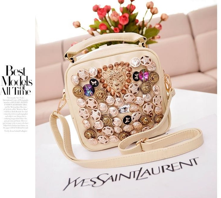 B9393 IDR.159.000 MATERIAL PU SIZE L22XH20XW10CM WEIGHT 650GR COLOR BEIGE