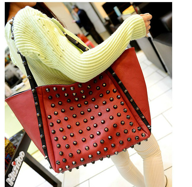 B9606 IDR.197.000 MATERIAL PU SIZE L36XH30XW18CM WEIGHT 800GR COLOR RED