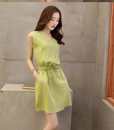D1522 IDR.120.000 MATERIAL COTTON SIZE M-LENGTH84CM-BUST88CM WEIGHT 250GR COLOR GREEN