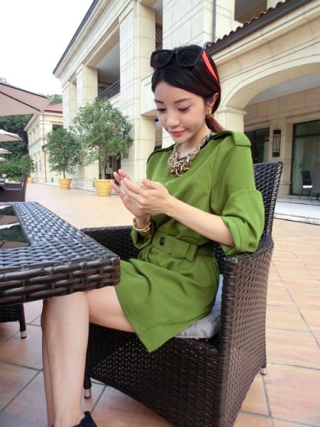 D15887 IDR.129.OOO MATERIAL SILKY-COTTON-LENGTH-81CM-BUST-96CM-SLEEVE-46CM WEIGHT 400GR COLOR GREEN.jpg