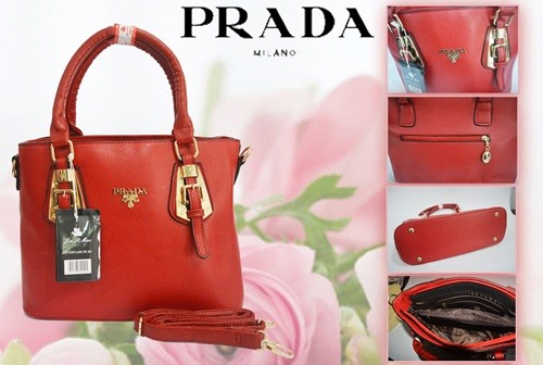D39 IDR.215.000 MATERIAL PU SIZE L31XH24XW12CM WEIGHT 1100GR COLOR RED