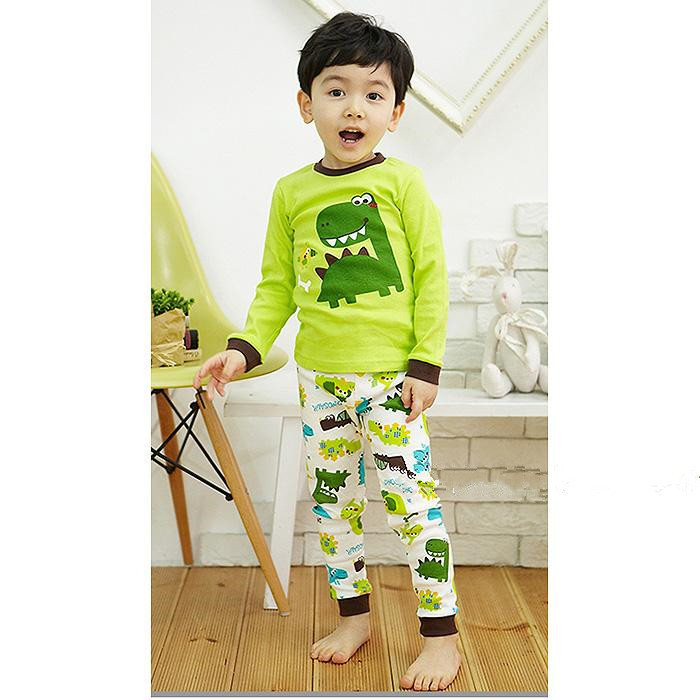 PJ692 BAJU TIDUR ANAK DINOSAURUS IDR 75.000 BAHAN COTTON SIZE 100,110,120,130,140 WEIGHT 500GR COLOR GREEN
