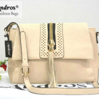 AB7003-IDR-210-000-MATERIAL-PU-SIZE-L35XH19XW10CM-WEIGHT-700GR-COLOR-BEIGE.jpg