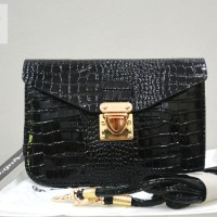 Tas Branded ANDROS - AB9355 IDR 135.000 MATERIAL PU SIZE L18XH13X3CM WEIGHT 350GR COLOR BLACK