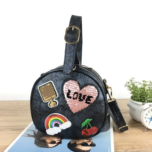 B0291 IDR.165.000 MATERIAL PU SIZE L19XH18XW10CM WEIGHT 500GR COLOR BLACK
