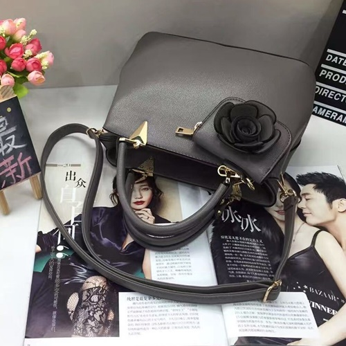 B0521 MATERIAL PU SIZE L27XH20XW13CM WEIGHT 900GR COLOR GRAY