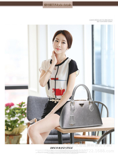B1031-IDR.210.000-MATERIAL-PU-SIZE-L33XH20XW13CM-WEIGHT-700GR-COLOR-SILVER.jpg
