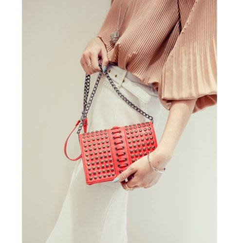 B2092 - Harga sebelum Diskon IDR.160.000 MATERIAL PU SIZE L19XH15XW4CM WEIGHT 500GR COLOR RED