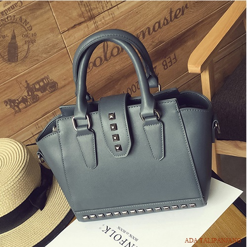 B2322 MATERIAL PU SIZE L22XH20XW13CM WEIGHT 700GR COLOR GRAY