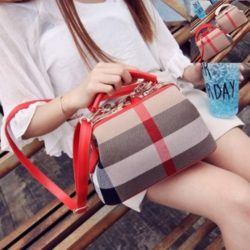 B2443 MATERIAL CANVAS SIZE L26XH15XW14CM WEIGHT 700GR COLOR RED MOTIF RANDOM