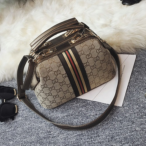 B2589 MATERIAL PU SIZE L24XH15XW13CM WEIGHT 750GR COLOR COFFEE