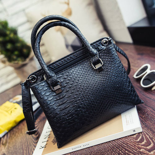 B27602 MATERIAL PU SIZE L23XH17XW9CM WEIGHT 600GR COLOR BLACK