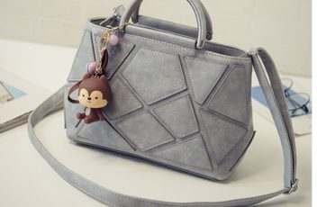 B29700 IDR.170.000 MATERIAL PU SIZE L26XH19XW9CM WEIGHT 650GR COLOR GRAY