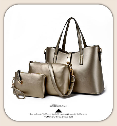 B5050 (3in1) - Harga Katalog / Harga sebelum Diskon IDR.210.000 MATERIAL PU SIZE L32XH24XW13CM WEIGHT 1000GR COLOR GOLD