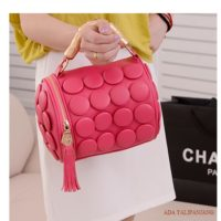 B591 MATERIAL PU SIZE L20XH18CM WEIGHT 650GR COLOR RED