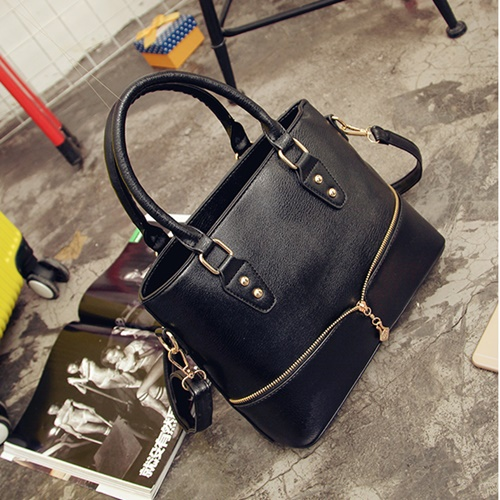 B598 MATERIAL PU SIZE L29XH23XW12CM WEIGHT 750GR COLOR BLACK