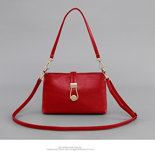 B6580 MATERIAL PU SIZE L26XH18XW8CM WEIGHT 550GR COLOR RED