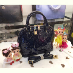 B800 MATERIAL PU SIZE L25XH23XW13CM WEIGHT 700GR COLOR BLACK