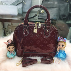 B800 MATERIAL PU SIZE L25XH23XW13CM WEIGHT 700GR COLOR WINE