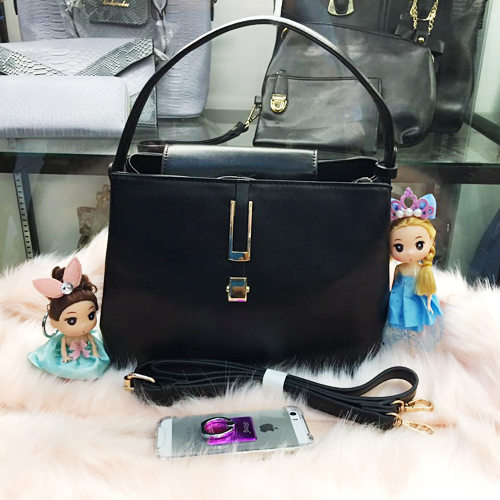 B830 MATERIAL PU SIZE L26XH20XW14CM WEIGHT 700GR COLOR BLACK