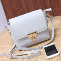 B8404 - Harga sebelum Diskon IDR.155.000 MATERIAL PU SIZE L18XH14XW6CM WEIGHT 450GR COLOR GRAY