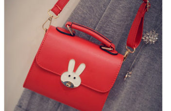 B8606 IDR.147.000 MATERIAL PU SIZE L18XH15XW8CM WEIGHT 550GR COLOR RED