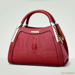 B874 MATERIAL PU SIZE L28XH19XW16CM WEIGHT 950GR COLOR RED