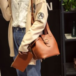 B8825165.000 MATERIAL PU SIZE L19xH20XW16CM WEIGHT 650GR COLOR BROWN