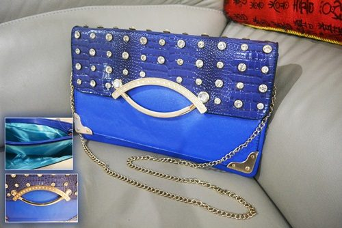 B8880 - Harga sebelum Diskon IDR.165.000 MATERIAL PU SIZE L32XH20CM WEIGHT 550GR COLOR BLUE