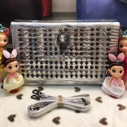 B905 MATERIAL PU SIZE L33XH22 WEIGHT 650GR COLOR SILVER
