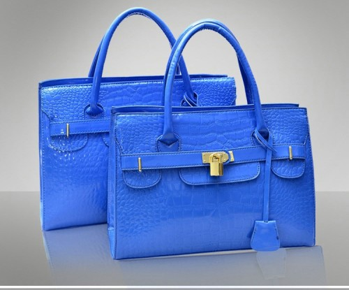 B9318 IDR.198.000 MATERIAL PU SIZE L30XH21XW12CM WEIGHT 900GR COLOR LIGHTBLUE